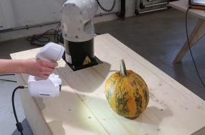 ACADEMIA Peel 3D scanning a pumpkin
