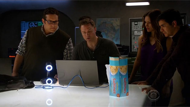 Scientific Team lab with 3d Scanner Go!SCAN 3Din the TV show Scorpion