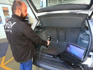 Scanning-direclty-in-car-trunk