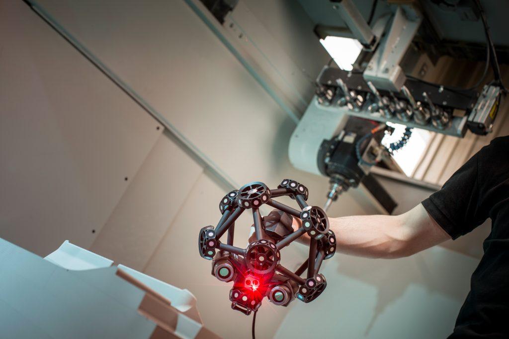 MetraSCAN 3D scanning a mold