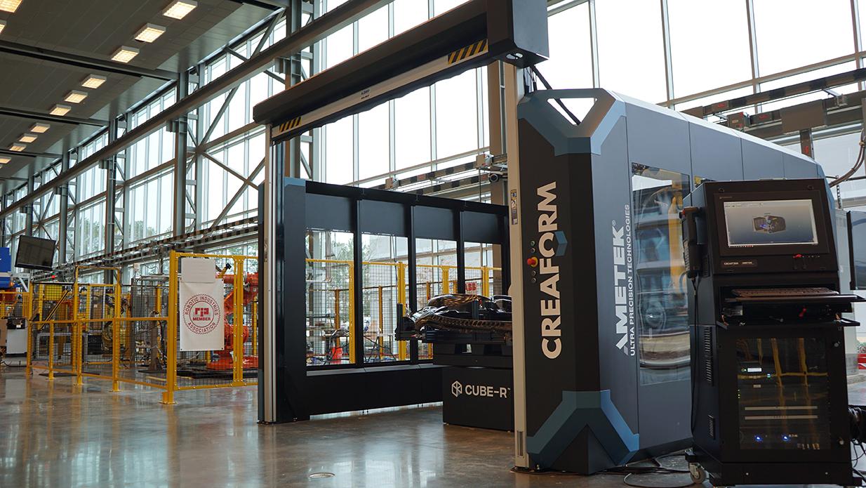 Las compañías manufactureras pueden aumentar la productividad con los robots.