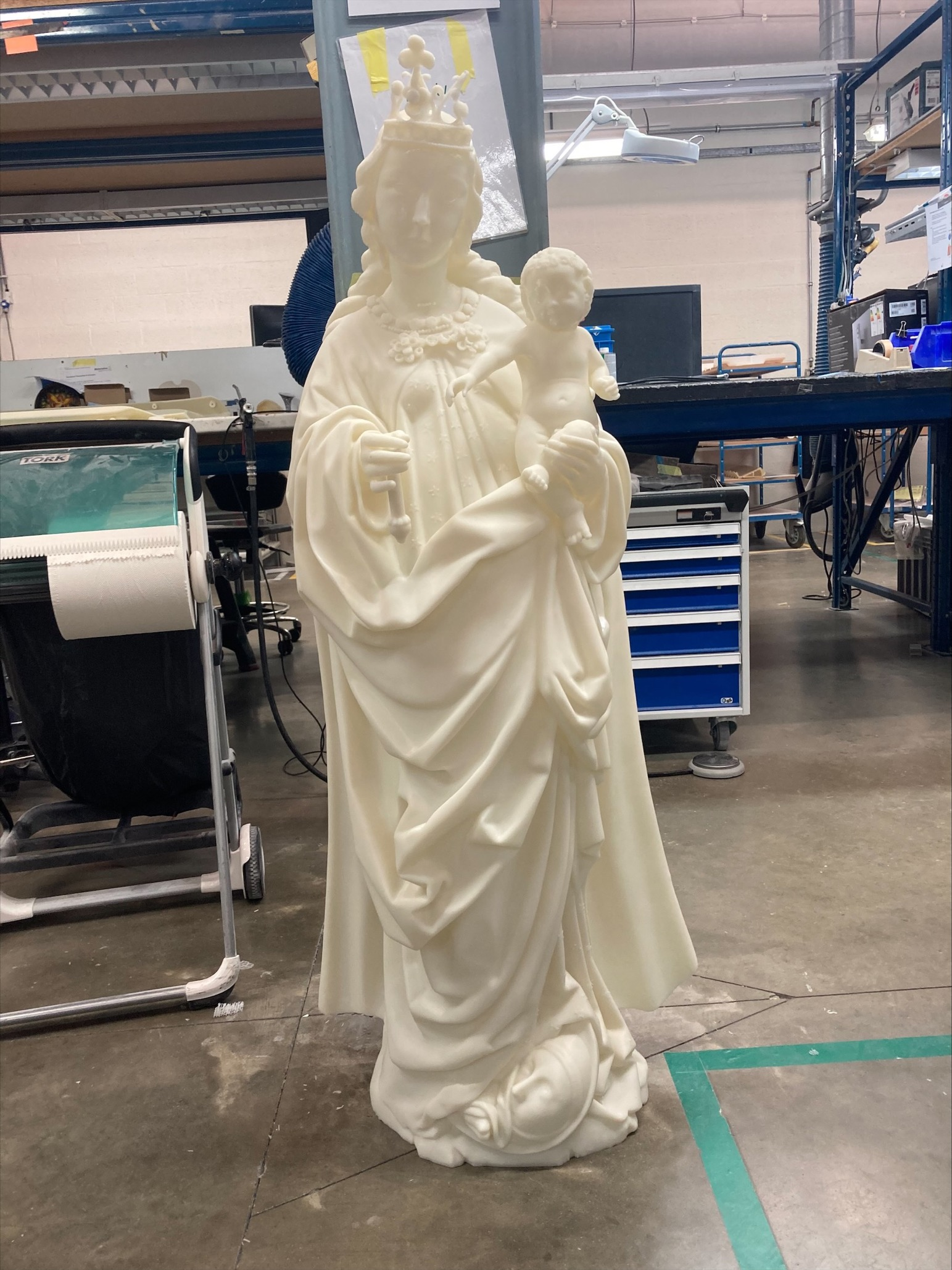 White 3D printed representation of the Madonna of the Turning Eyes