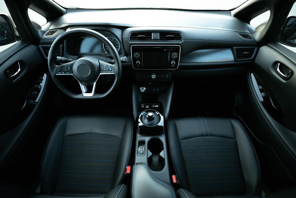 Design, Inspektion und Engineering für das Automobil-Interieur