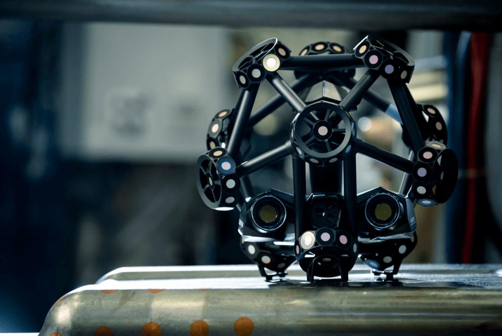 MetraSCAN BLACK - Le nouveau scanner 3D pour les professionnels de la fabrication et de la métrologie. Caractéristiques et avantages.