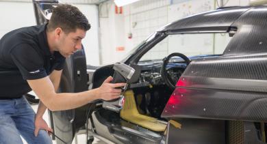 Numérisation 3D d'une Koenigsegg Regera avec le HandySCAN 3D de Creaform